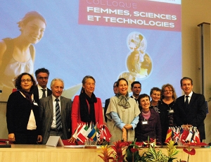 Attendees of the colloquium Women, Science and Technology